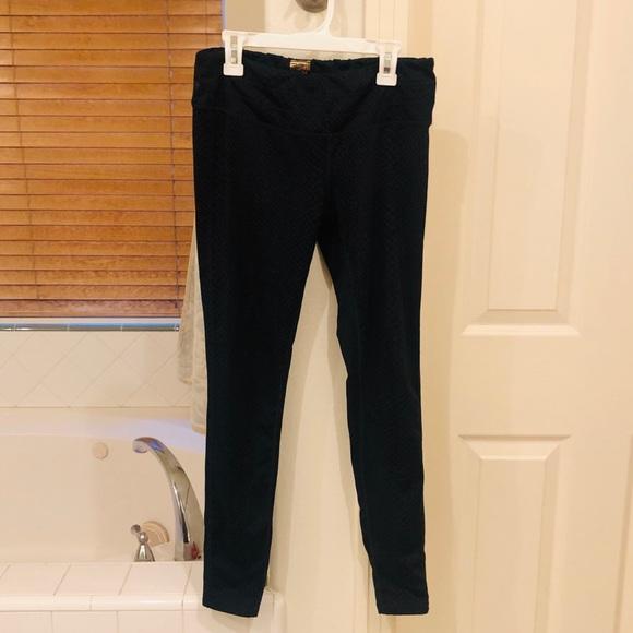 32 Degrees Pants - Black Mamba 🐍 Workout Leggings NWOT